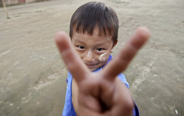 nino-en-campo-refugiados-de-birmania