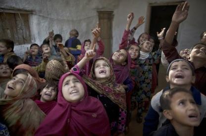 ninos-en-escuela-en-islamabad