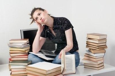 estudiante-preocupado-y-nervioso-sentado1