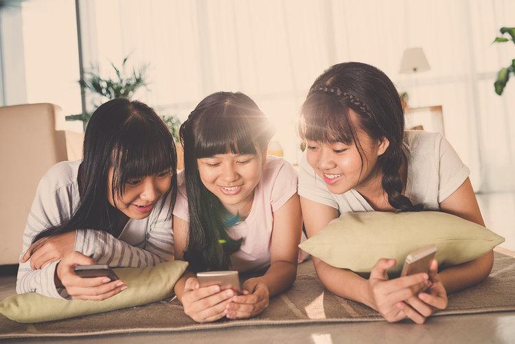 niñas de la generación z en youtube